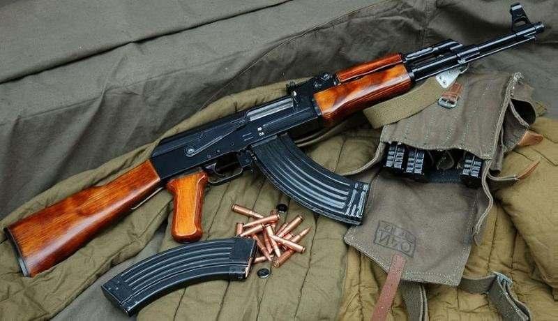Стрелковое оружие автомат Калашникова